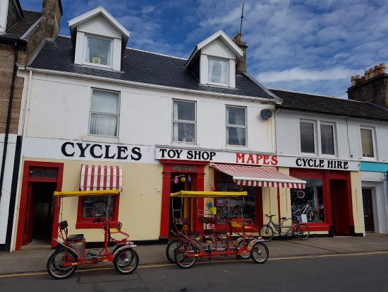 Millport, UK: Outside of the shop