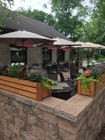 Basking Ridge, NJ: Outdoor dining