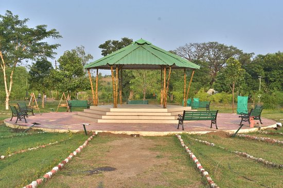 Amravati, Indie: Bamboo pagodas gives leisure and entertainment to tourists