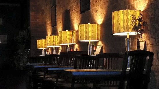 Chill wine bar
