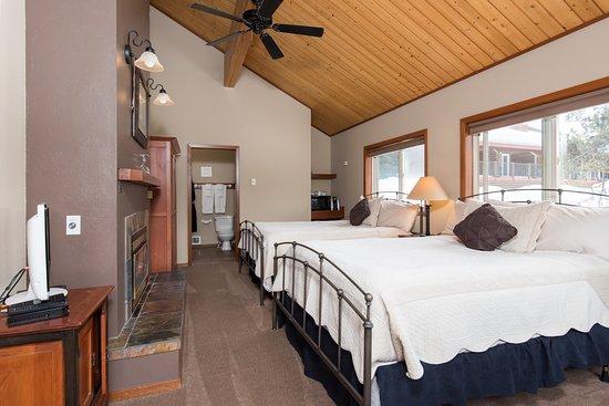 McCall, ID: Duplex Cabin - Queen Room