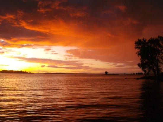 Kabetogama, Minnesota: Another perfect sunset at Harris Island.