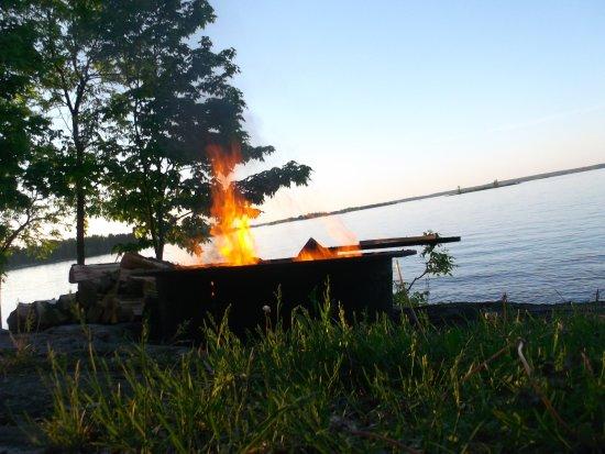 Kabetogama, Minnesota: Bonfire on the point at the Moose cabin