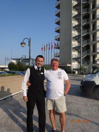 Adriatic Palace Hotel : С нашим рускоязычным официантом
