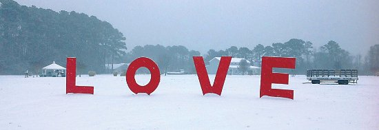 Deltaville, VA: Love Sign