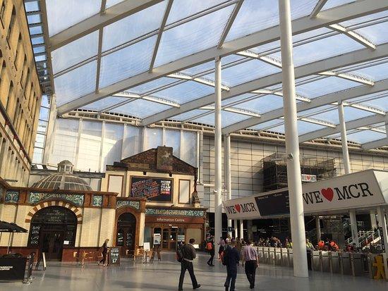 Victoria Station: photo1.jpg