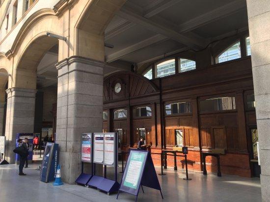 Victoria Station: photo2.jpg