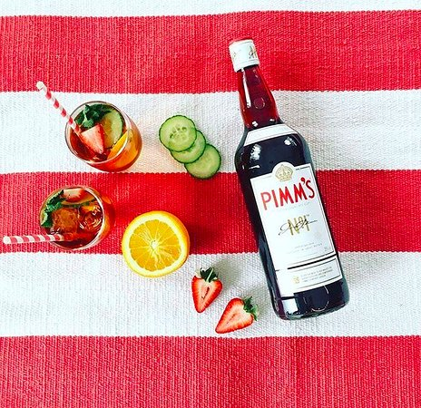 Brighton and Hove, UK: Summer Pimm's Time