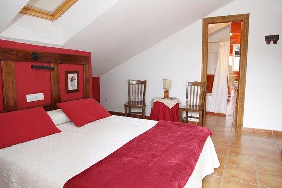 Province of Leon, Spain: Habitación de matrimonio de 1,5 con terraza y vistas del pueblo