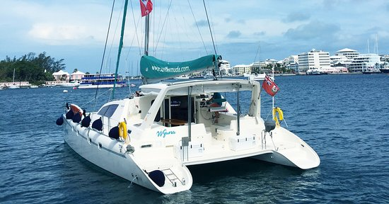 Paget, Islas Bermudas: Wyuna, our newly purchased 47' catamaran