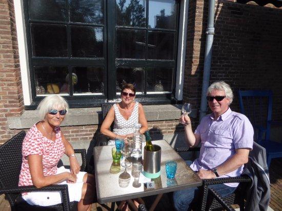 Den Helder, Nederland: we beginnen met een lekker wijntje