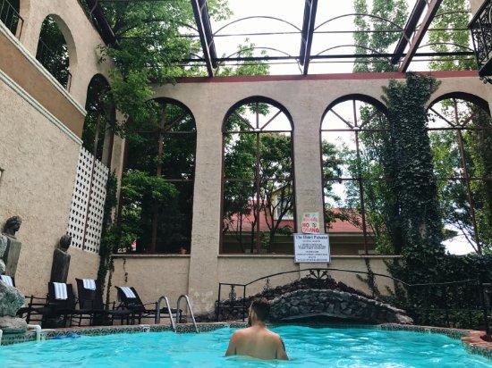 The Hotel Paisano: Pool