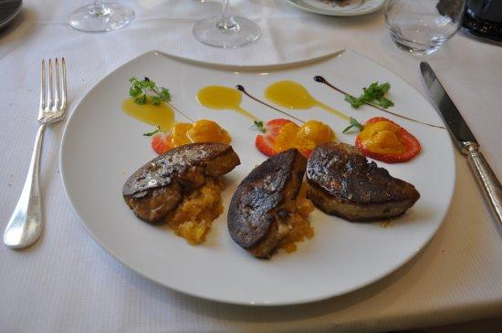 Tamnies, França: Foie poêlé de canard, mangue et gingembre
