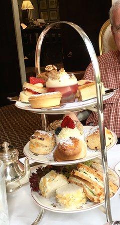 Egerton House Hotel: Tea for two