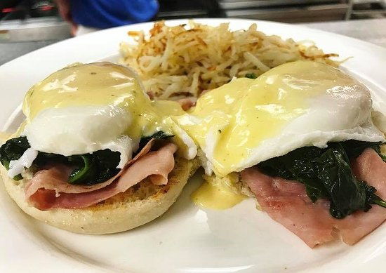 Madison, VA: Sunday brunch- Eggs Benedict