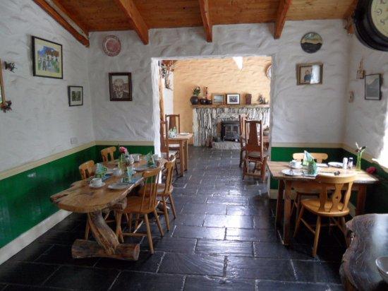 Lissyclearig Thatched Cottage: Frühstücksraum