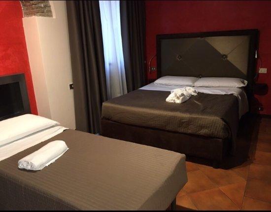 Town House Fontana Di Trevi: Beds