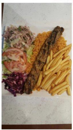 Ivry-sur-Seine, France: Assiette Adana 8euros