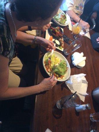 อีสต์บรันสวิก, นิวเจอร์ซีย์: can get a salad