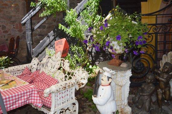 La terrasse atypique photo de l 39 ecurie riquewihr for Terrasse atypique