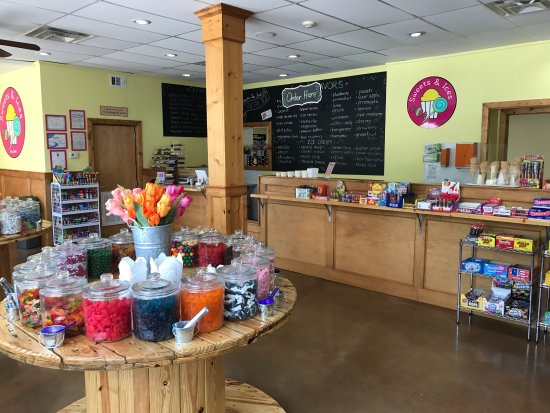 Jefferson, GA: Sweets and Ices has 16 flavors of rich gourmet ice cream, 30 flavors of authentic Italian Ice, c