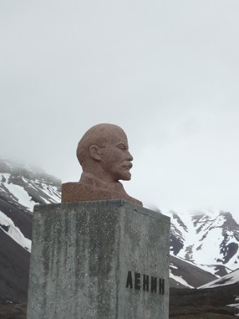 Polar Charter: Soviet workers paradise frozen in time