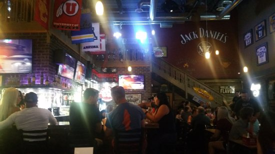 South Jordan, UT: even the bar was filled up