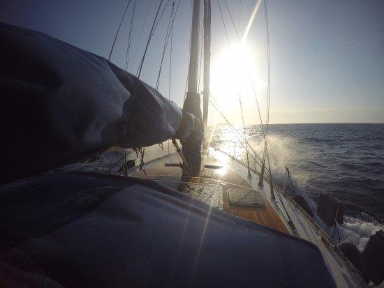 Адамас, Греция: Mama Maria sailing!