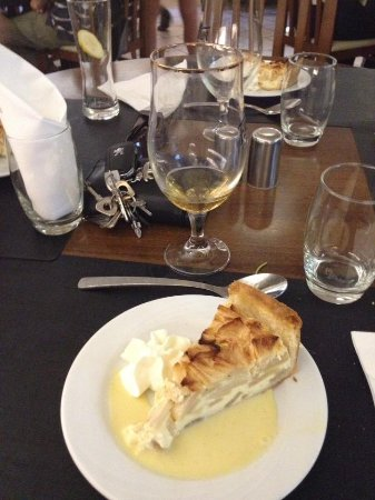 Lingolsheim, France: Dessert présenté avec ravissement