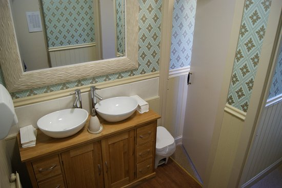 Horse and Hound: Redecorated Ladies loos