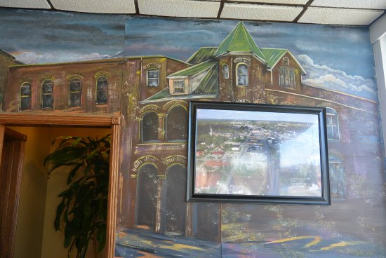 Campbellsville, KY: mural covered by photo of main st.