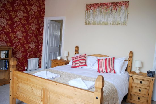 St Keverne, UK: King size room