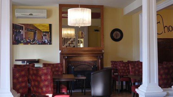 Auberge du Littoral: Área da sala de estar