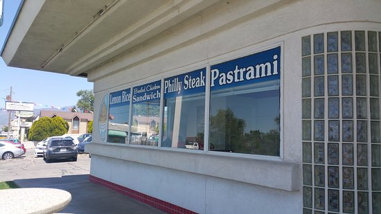 North Salt Lake, UT: Front of the the restaurant faces West and is along the Hwy through town