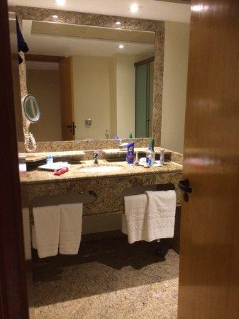Vilamar Copacabana: Bathroom with Jacuzzi
