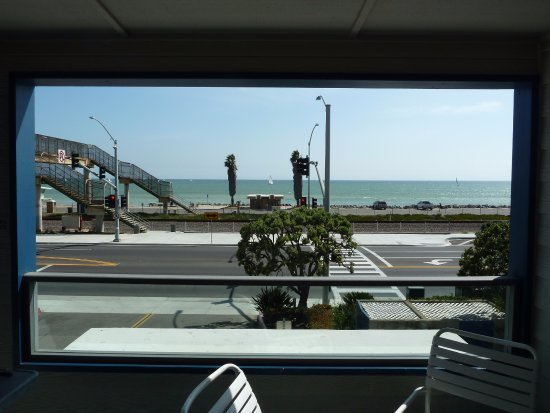 Capistrano Surfside Inn: View from balcony