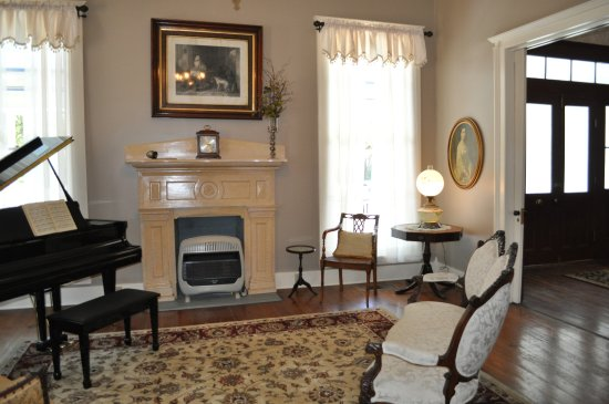 Kennedy Manor Bed Breakfast UPDATED 2018 Prices B Reviews Pier One Dining Room