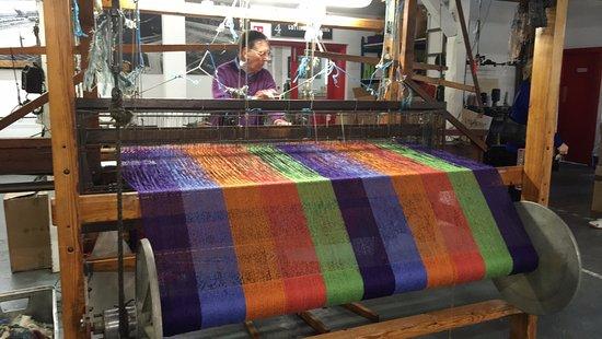 Avoca, Irland: The hand weaving! <3