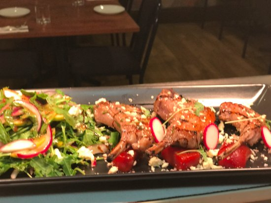 Queanbeyan, أستراليا: Grilled lamb cutlets, rocket & pear salad, baby beets, & crumbled fetta cheese