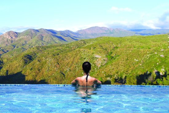 Valley View Casino Hotel: Our infinity pool offers breathtaking views of the Palomar Mountain Range