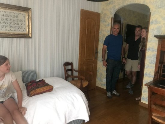 Hotel du Lion d'Or: This room was perfect for us and our daughter- had a main room and a little room adjoining.