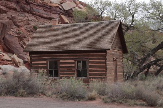 Parc national de Capitol Reef, UT : Fruita Schoolhouse in Capital Reef National Park (2)