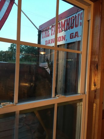 Dawson, Τζόρτζια: Delicious BBQ and steaks ! We stop every time we go through.
