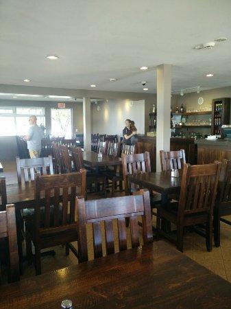 Port Severn, Canada: Inside of the restaurant