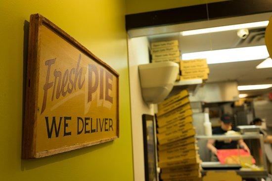 Island Slice Pizzeria: Fresh Pie!