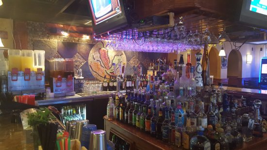 Torrington, CT: Full Bar