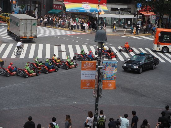 L'OCCITANE CAFE: Super Mario Carts at Shibuya Crossing, taken from 2nd floor of L'occitaine de Povence cafe