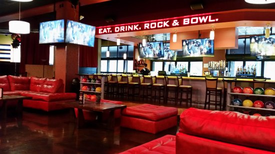 Frank's Theatres Cinebowl & Grill