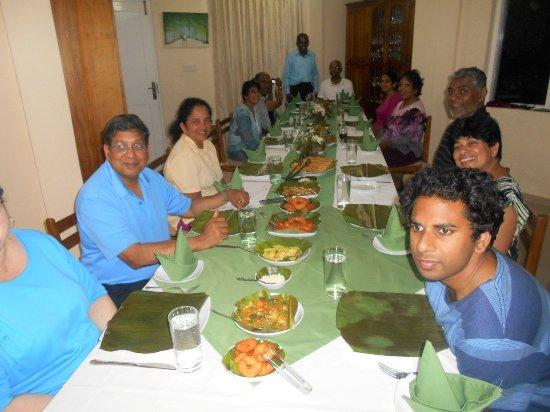 Dickoya, Sri Lanka: Ready to enjoy Thosai dinner!