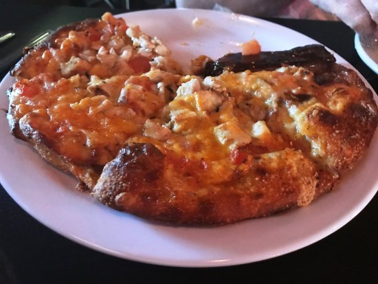 Chardon, OH: Buffalo chicken pizza